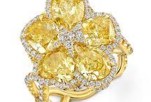 Yellowdia Rings