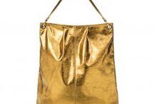 Bolsas pra compor aquele look! / Clássicas, elegantes, para o dia a dia ou para a balada, as bolsas arrematam o look com um toque de cor, brilho e estilo.