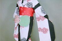 Furisode Yukata / Did you know that yukata can have furisode length sleeves? If you love furisode, consider a furisode yukata during summer festival season!