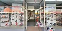 Thomas Shoes / Come in and visit us