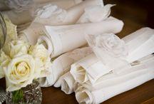Casamento Branco / Casamentos brancos podem ser clássicos e tradicionais, ou não. Montamos essa galeria com muito carinho para te inspirar.