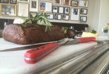 Beef - Wagen Premiere / Diese Woche geht es endlich los: Beefwagen Premiere ...  Rosa Scheiben vom argentinischen Roastbeef / Pfeffersoße / Speckbohnen / getrüffeltes Kartoffelgratin  Neugierig? Unser Team freut sich auf Ihren Besuch!
