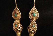 BEAUTIFUL EARRINGS / I feel naked without mine. / by Ronni Rittenhouse