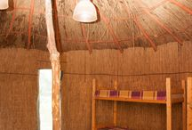 Bungalow @Natura Parc / 3 Bungalowri simple, 4 bungalowri duplex Dotări: cabină de duş, toaletă, lavoar cu oglindă, boiler pentru apă caldă Tarif: 120 lei/zi/bungalow simplu Tarif: 200 lei/zi/bungalow duplex