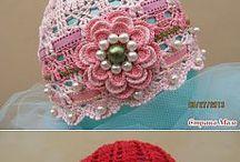 chapéu de croche com flores