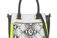 Aldo Bags / Shop online for wide range of collections of Aldo Bags India at Majorbrands.in. For more details visit here: http://www.majorbrands.in/brand/s/cl_2-c_3919-p_2682-b_41-bnm_Aldo-bcf_N/women/bags/handbags.html or call on 1800-102-2285 or email us at estore@majorbrands.in.