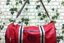 Bayan Çanta / Bayan çanta modelleri en ucuz fiyatlarıyla Outlet Çarşım'da. Kadın omuz, el ve postacı çantası ile deri sırt çantası çeşitlerini kredi kartına taksit veya kapıda ödeme ile Outlet Çarşım'dan satın alabilirsiniz.