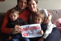 GuestToGuest members around the world / Our members sent us a picture of them with our GuestToGuest welcome poster!