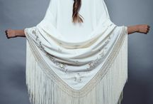 MANTONES DE MANILA / Shawls embroidered with exclusive pictures of Lina