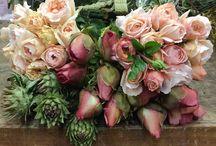 Flowers a plenty / by Kalyn Crosier