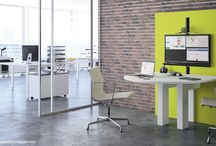I-Share de Craie Design - Table de réunion multimédia / Pour des réunions informelles, spontanées et efficaces, cette table de réunion multimédia est ergonomique et permet une utilisation assis debout grâce à son ajustement en hauteur, que ça soit pour une réunion, un débriefing ou une visio-conférence.