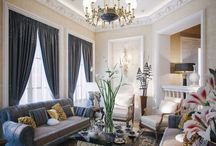 Elegant traditional Living rooms / Elegant living rooms with beautiful patterns and colors, ceiling design and exaggerated trim work and detail