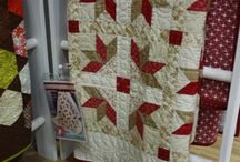 Quilts / by Lisa Mikel