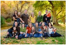 Posing Ideas - Large Families / A selection of images from around the web that showcases larger families posing together.