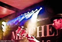 """Live-Lichtdesign für Konzerte / Ich mache das Live-Lichtdesign für Konzerte im Minchens Live Music Club Hannover -  Hier findet ihr ab und zu schöne Bilder unserer fotografierenden Gäste. Mir geht es um die Wirkung des Lichtes auf den Konzerten, nicht um die Musiker oder Ihre Instrumente. Auch bevorzuge ich unbearbeitete Bilder, selbst wenn sie für Fotografen """"mangelhaft"""" erscheinen."""