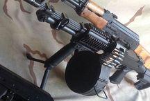 Оружие / Стрелковое оружие, военная бронетехника,  военная авиация и военно морской флот. Короче все об оружии.