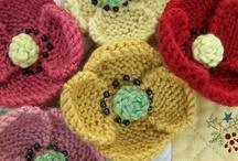 flowers/knitted-crochet