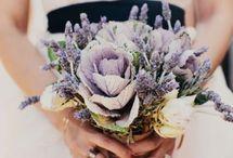 Luxury Weddings // Flowers / A board full of luxury wedding flowers!