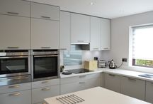 Flexible German kitchen design / Having downsized properties, this couple turned to Kitchen Design Centre for some help in creating a wow-factor designer kitchen.