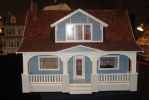 Beach bungalow dollhouse / by Dolly Bellamy