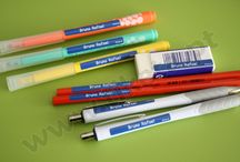 Etiquetas autocolantes fundo colorido