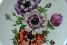 Hand painted porcelain - always classic / Classic style hand painted porcelain pieces