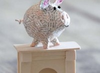 paper mache pig / by MayChin