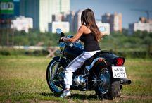 Motodiva / Girls & Moto