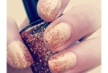 Glitter gradient nails / Because everyone likes a little sparkle...