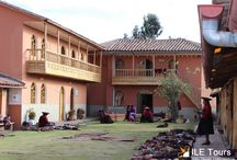 Archaeological Center Chinchero - Cusco / Chinchero is a village located 30 kilometers from the city of Cusco, the Sacred Valley part. It is known for its traditions, its market is held every Sunday, wearing traditional clothing, crafts still intact and textiles made ​​from alpaca and sheep wool.