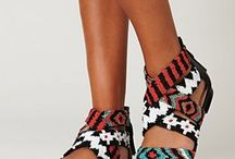 Sandals,wedges & flats! / by Cassidy Gray +