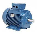 BOBINAGEM DE MOTORES ELÉTRICOS / Bobina é um rolo que produz um campo eletromagnético capaz de transportar eletricidade, ou seja, trabalha como um condutor. O fio de uma bobina funciona como um eletroímã. Entre as várias funções de uma bobina e suas utilizações, uma importante aplicação é a bobinagem de motores elétricos. Quando o motor precisa de um arranque, por exemplo, a condução se dá através da bobina.