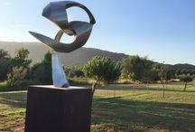 Escultura: Clemente Ochoa / Esculturas del pintor navarro, de gran formato, en acero inoxidable. Parc dels Estanys (Platja d'Aro-Catalunya).