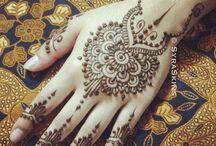 Henna on Hands and Feet / We love henna. Henna-related board!