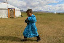 Vie nomade en Mongolie / Voyages à la découverte des nomades de Mongolie - http://www.rando-cheval-mongolie.com/voyages/vie-nomade/mongolie-vie-nomade-famille-orkhon.html