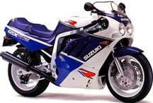 "Suzuki GSX-R 750/1100 ""Slingshot"" / 1988 to 1989 - 2nd Generation Suzuki GSX-R with the new Slingshot carburetors"