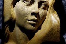 Скульптуры и куклы из дерева