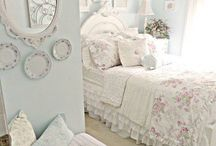 chabby chic pink bedroom