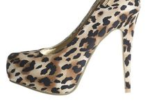 Ladies Shoes / All the latest trends in fashion and more importantly, in-stock.