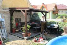 Pergola / Tak jsem si taky jednu vyrobil na zahradě.Velice příjemná o velikosti 2,5 x 3 metry a v horku je v ní báječně.