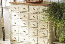 drawers........i have a thing for them....... / by Ilsé McCarthy