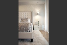 White bedroom  / white and silver cozy and glam