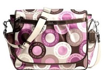 Happiness in a Hand Bag / by Chelsea Godin
