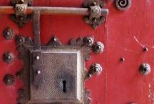 (un)lock