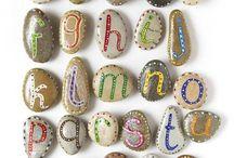 abecedari pedres