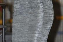 Trajes de chaqueta y vestidos cortos para momentos especiales. / Para usar en ceremonias o eventos especiales mañaneros.