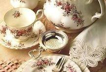 Le petit déjeuner et le thé / Breakfast and Tea