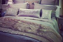 Designing - Bedrooms / by Amanda Oyler