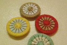 糸巻きボタン