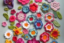 Crochet flowers / by Maria Colosi